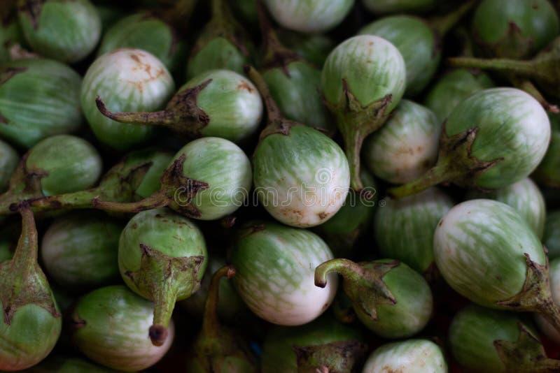 Auberginen, Auberginenbälle geformt Gemüsenahrung stockfoto