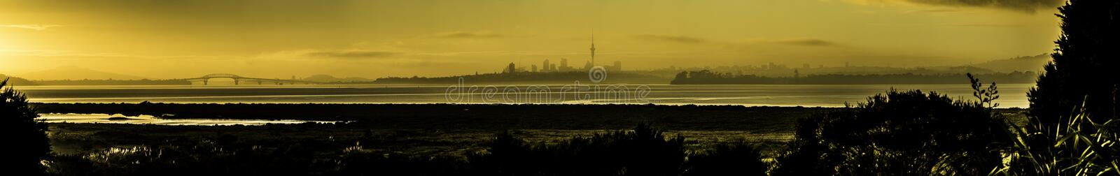 Auckland Dawn Pano images stock