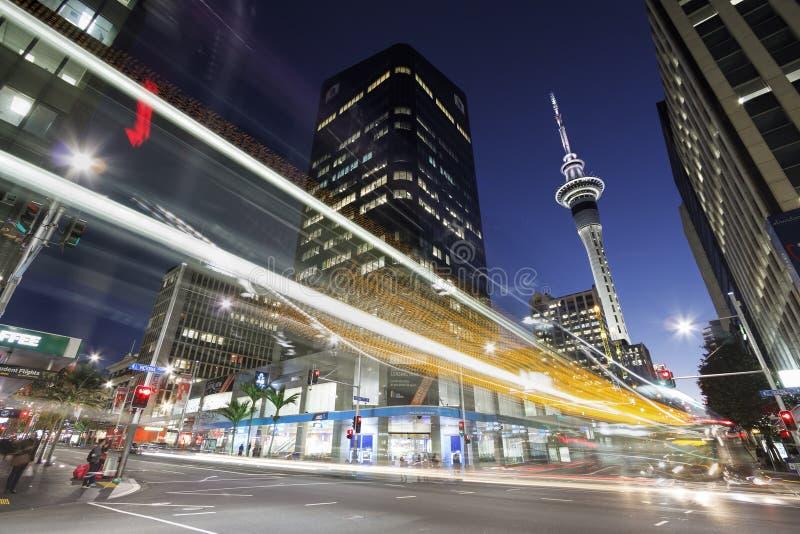 Auckland du centre la nuit photographie stock libre de droits