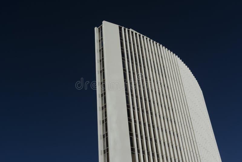 Auckland hög löneförhöjningbyggnad arkivfoton