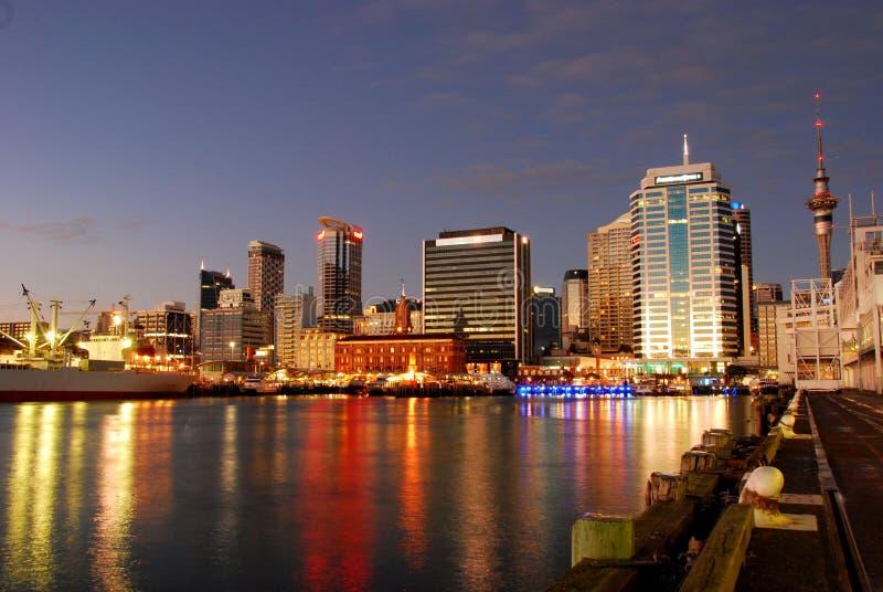 Auckland Habor no amanhecer imagem de stock
