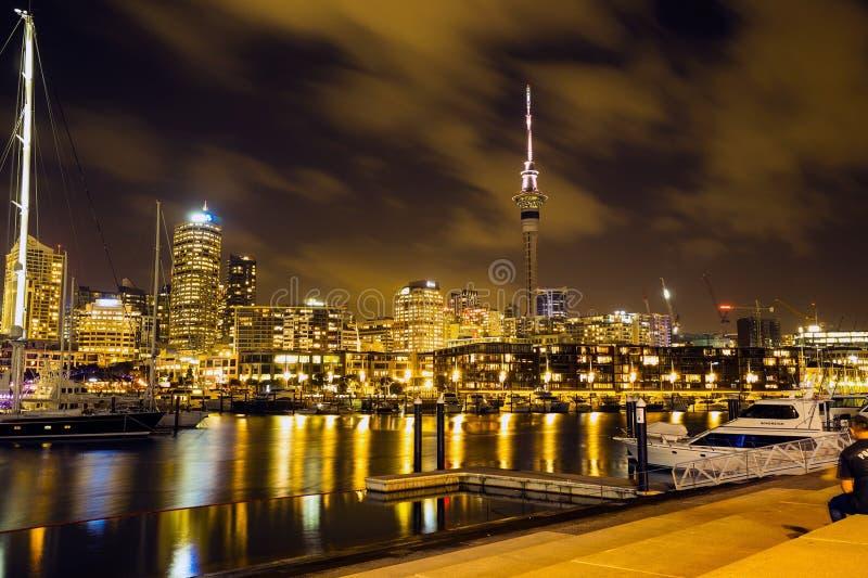 Auckland: La ciudad de velas fotos de archivo