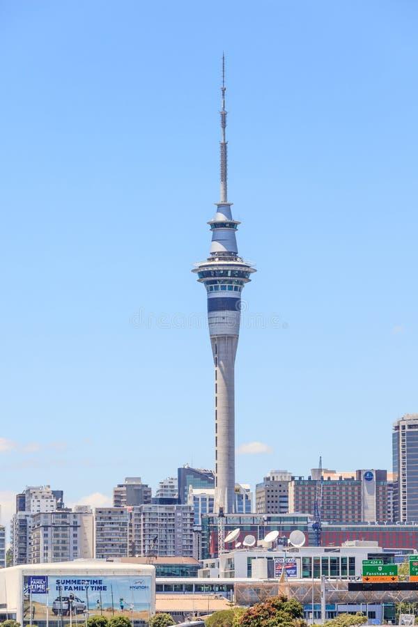 Auckland, la nuova Zelanda 12 dicembre 2013 Fam della torre del cielo di Auckland immagine stock libera da diritti