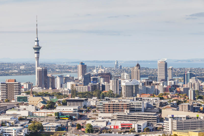 Auckland, la nuova Zelanda 12 dicembre 2013 Paesaggio urbano di Auckland immagini stock libere da diritti