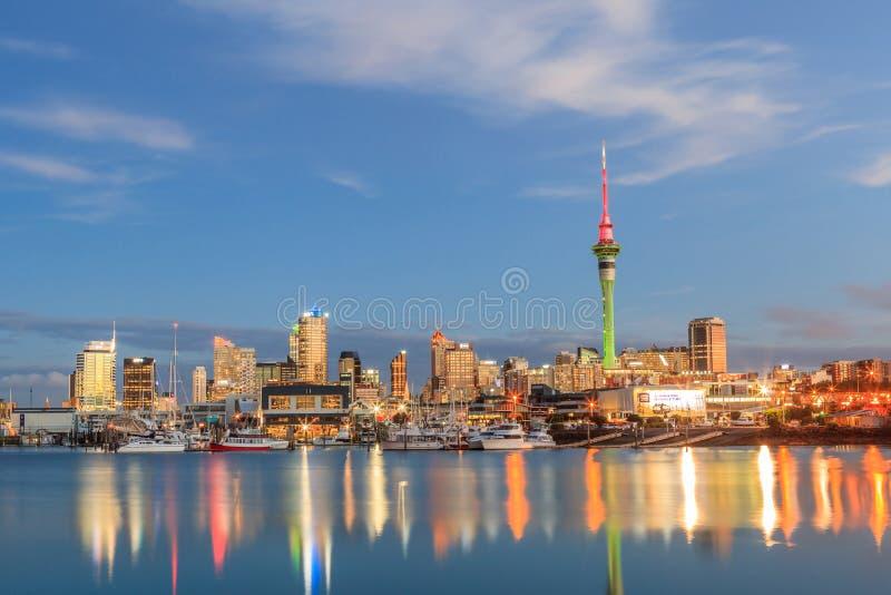 Auckland, la nuova Zelanda 9 dicembre 2013 Scena di notte di Auckland immagine stock libera da diritti