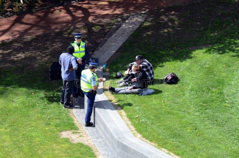 Auckland, Nowa Zelandia -, funkcjonariuszi policji fotografia stock