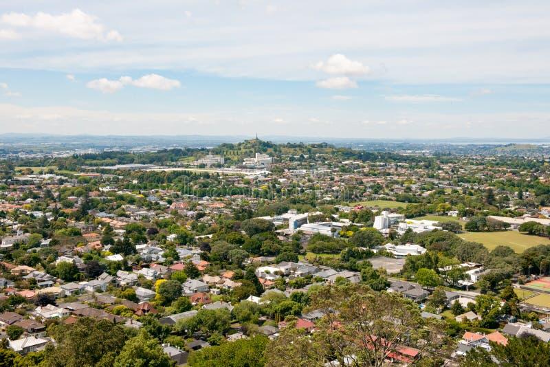 Auckland, Nueva Zelanda, visión aérea desde el soporte Eden imagen de archivo