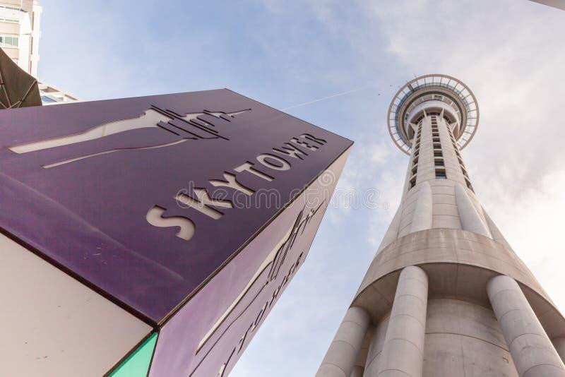 Auckland, nuevo Selandia 12 de diciembre de 2013 Fam de la torre del cielo de Auckland imagenes de archivo