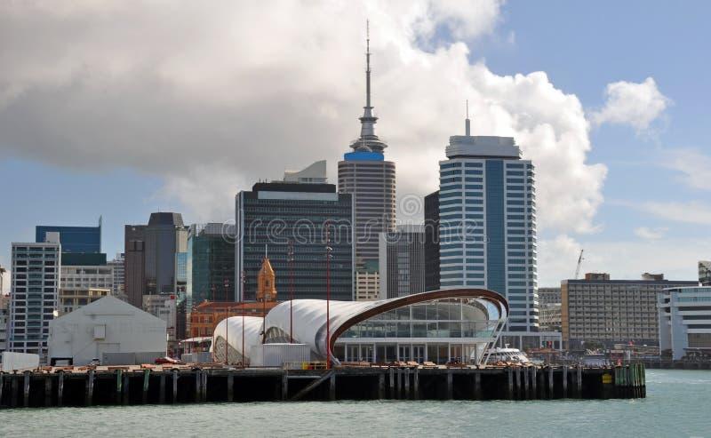 Auckland-Ufergegend-Gebäude, Neuseeland lizenzfreie stockbilder