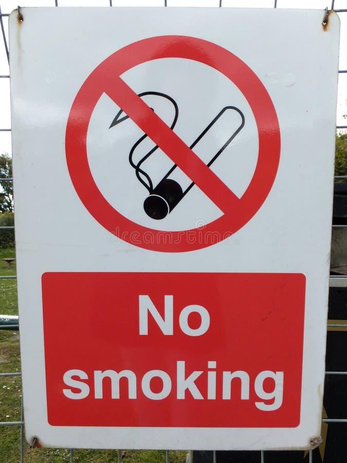 aucun fumage de signe photographie stock libre de droits