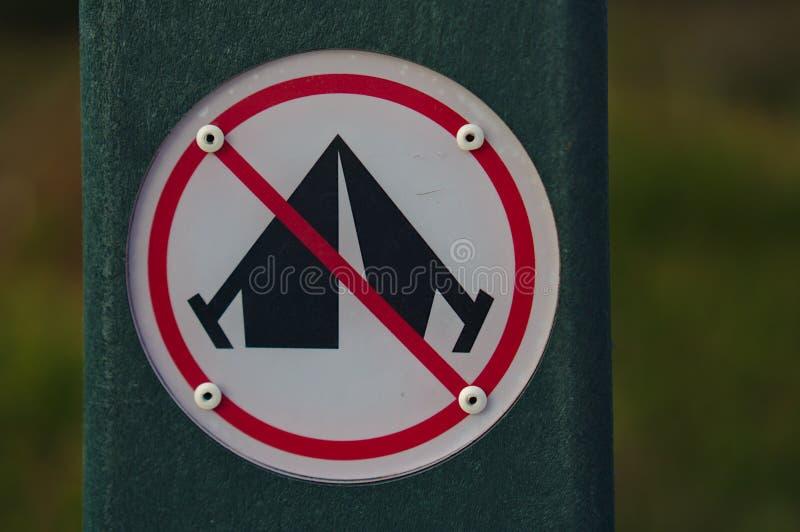 Aucun signe campant image stock