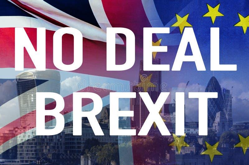 Aucune image conceptuelle de l'affaire BREXIT de texte au-dessus d'image de Londres et de drapeaux du R-U et de l'UE symbolisant  photo libre de droits
