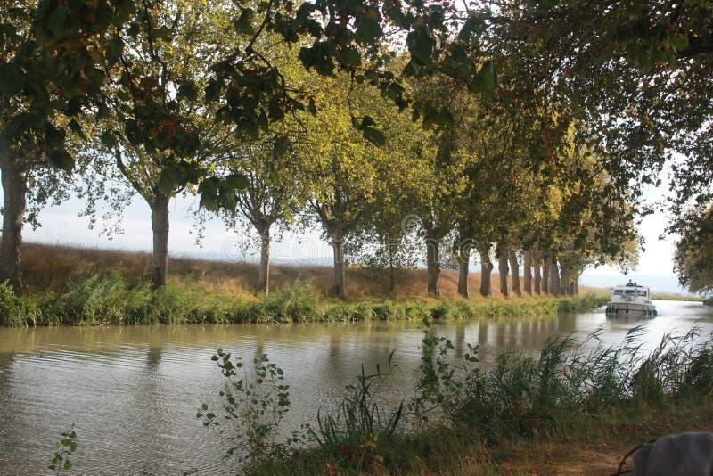 Aude rzeka w południe Francja blisko Narbonne obrazy royalty free