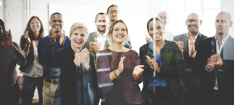 A audiência aplaude o conceito de aplauso do treinamento da apreciação da felicidade imagem de stock