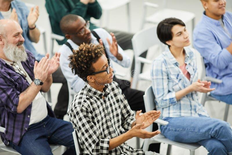 Audiência do fórum educacional foto de stock