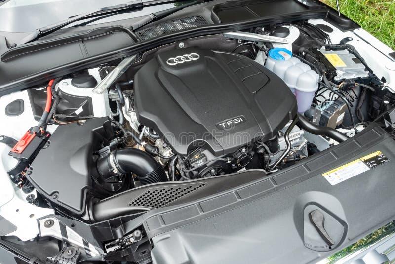 Audi A4 Avant 40 silnik obraz royalty free