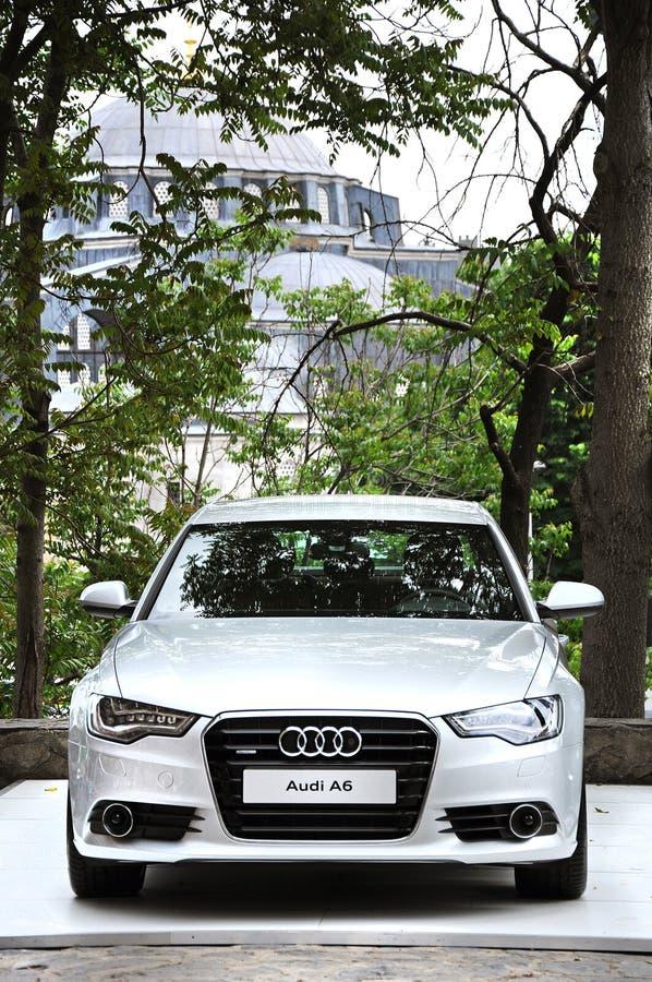 Audi A6 prasy wodowanie w tophane-i amire buduje Istanbul zdjęcia stock