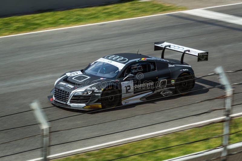 Audi R8 LMS ultra dans le circuit De Barcelone, Catalogne, Espagne photos libres de droits