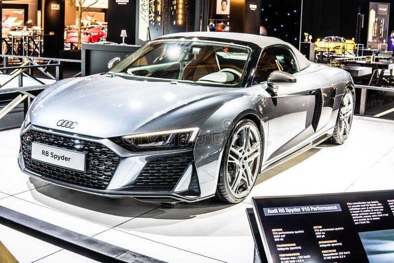 Audi R8 Spyder V10 plus w Brussels Motor Show, Second Generation, Type 4S, produkowane przez niemieckiego producenta samochodów A obrazy stock