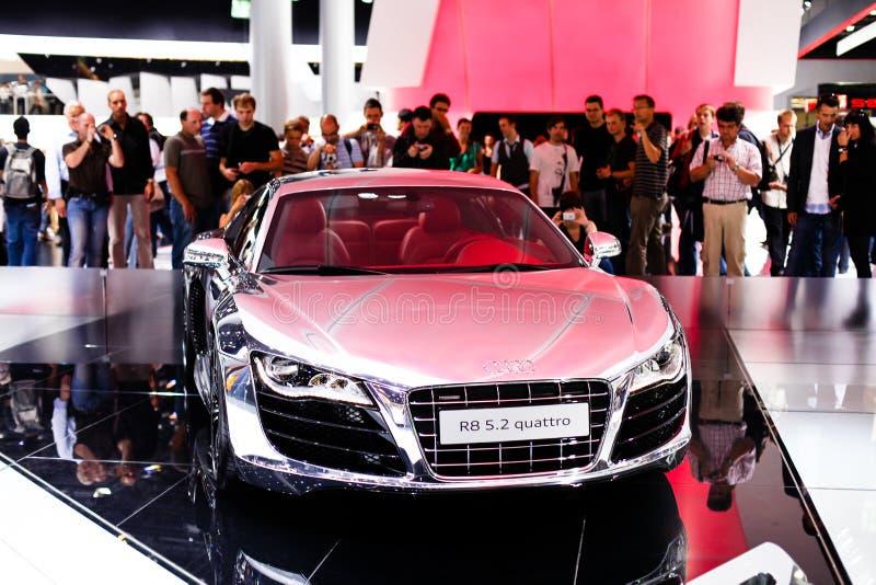 Audi R8 auf 63. IAA stockbilder