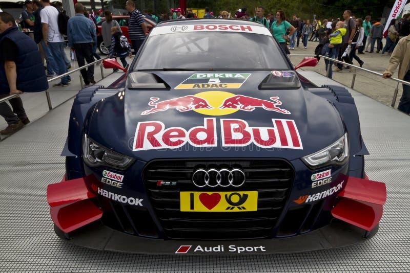 Audi-raceauto bij tentoonstelling stock foto's
