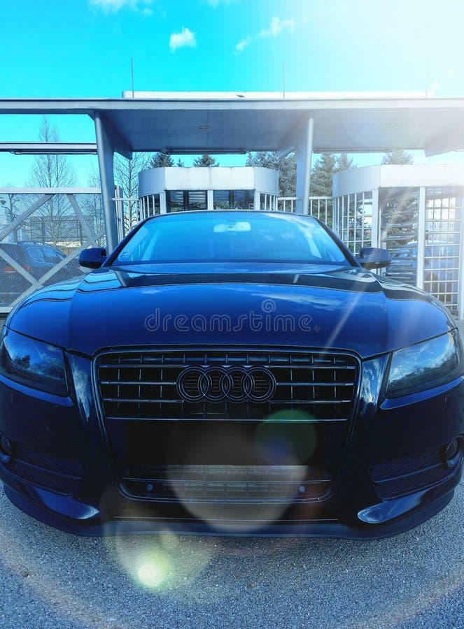 Audi RS5 Schwarzer Hintergrund HD lizenzfreie stockbilder