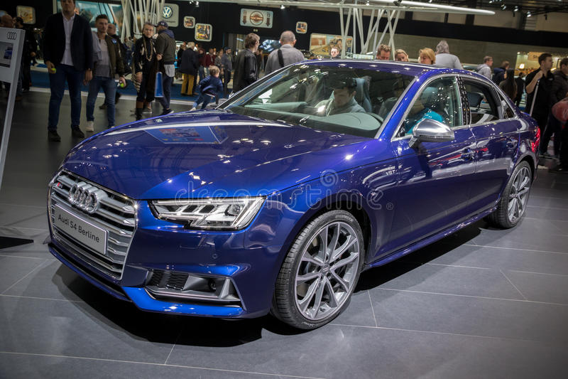 Audi S4 Berline bil royaltyfri foto