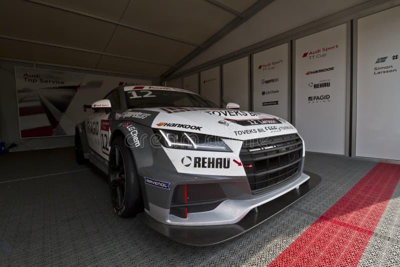 Audi Sport-auto met beginnend nummer 12 in de coulisse stock foto's