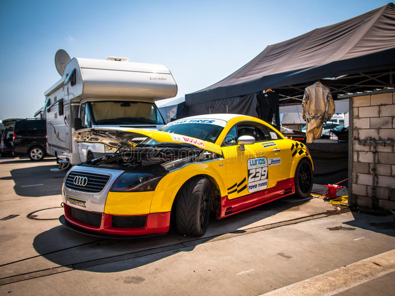 Audi TT Coupe bieżny samochód zdjęcia stock