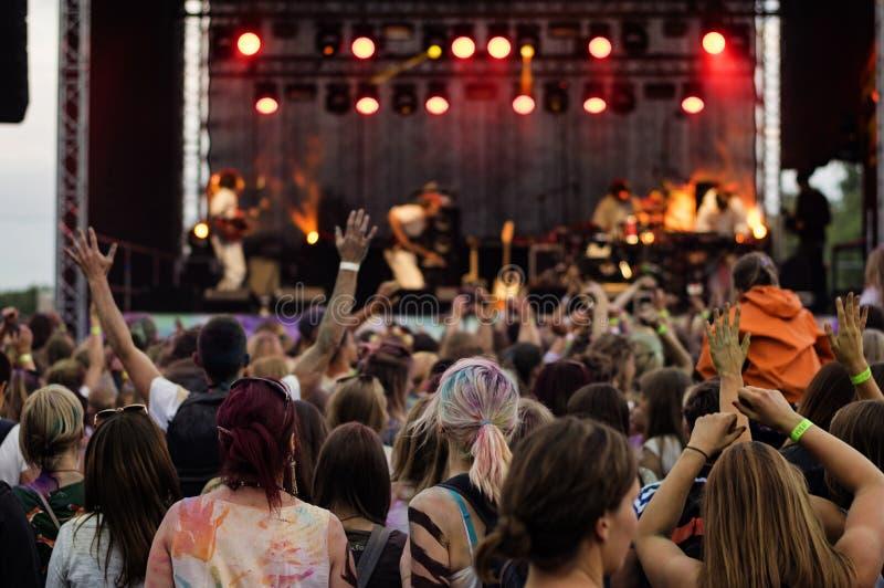 Audiencia al aire libre del festival de música fotografía de archivo