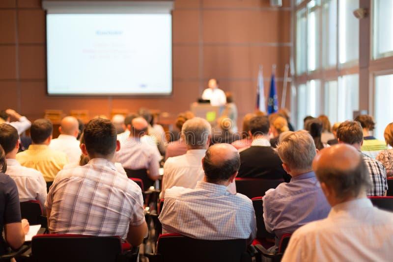 Audiencia en la sala de conferencias foto de archivo