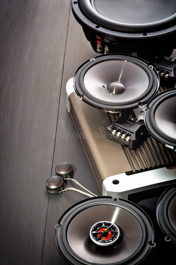 Audio dell'automobile con gli altoparlanti immagine stock