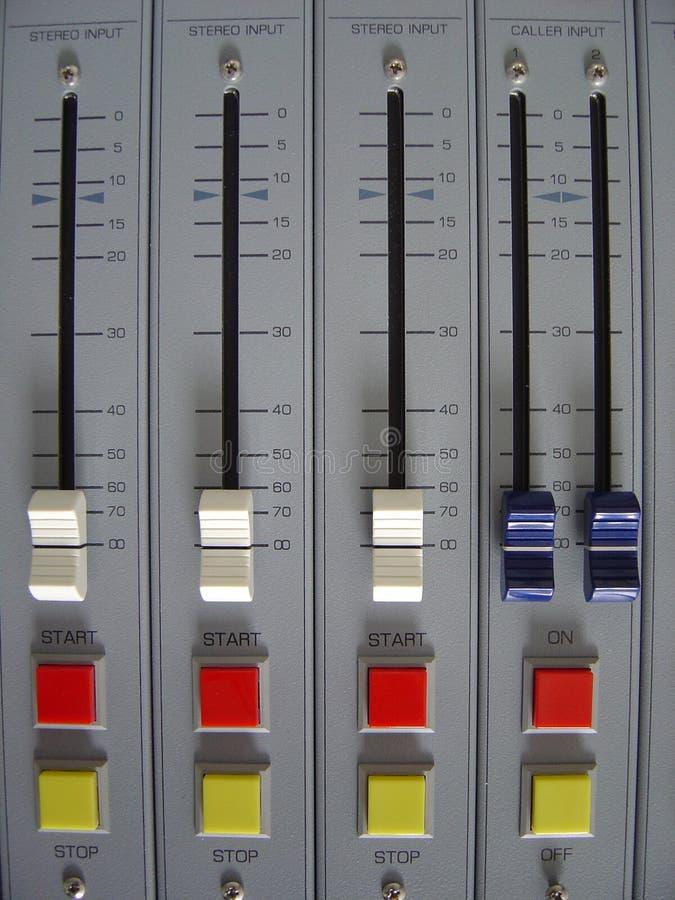 Download Audio Mixer stock foto. Afbeelding bestaande uit verslagen - 36898