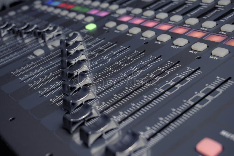 Audio profesional del mezclador de sonidos de Digitaces imagenes de archivo