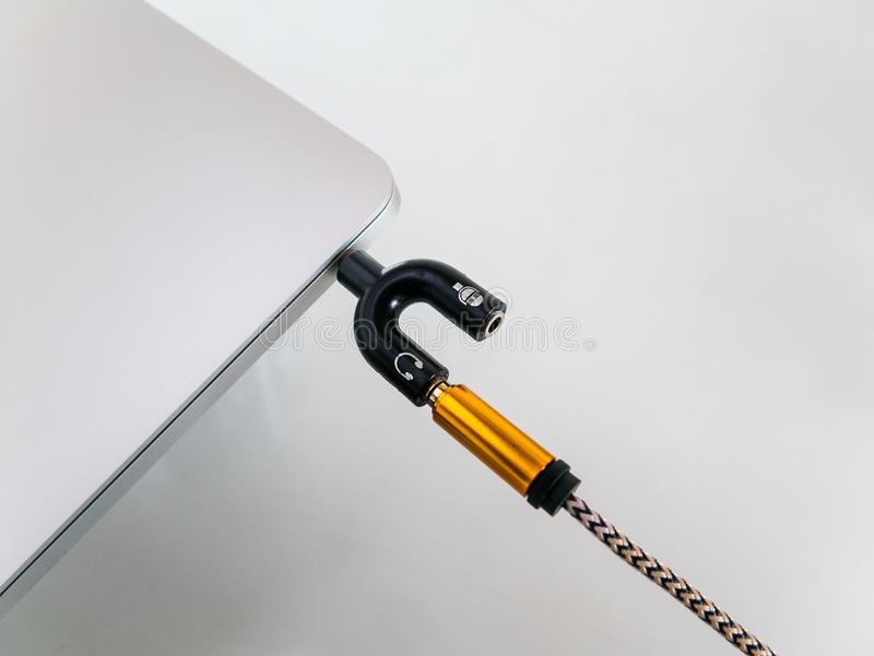 Audio rozłupnik 3 5mm Dla mikrofonu i hełmofonu w laptopie zdjęcie royalty free