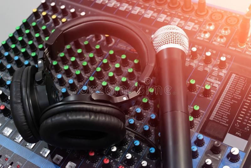 Audio suono del miscelatore fotografie stock