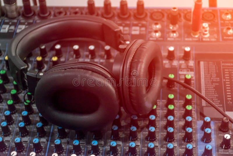 Audio suono del miscelatore immagini stock libere da diritti