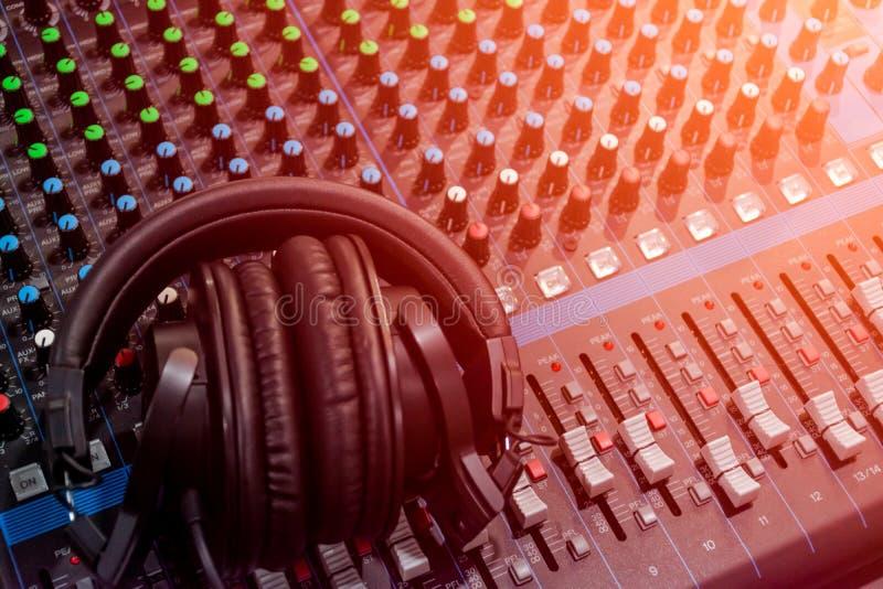 Audio suono del miscelatore fotografia stock
