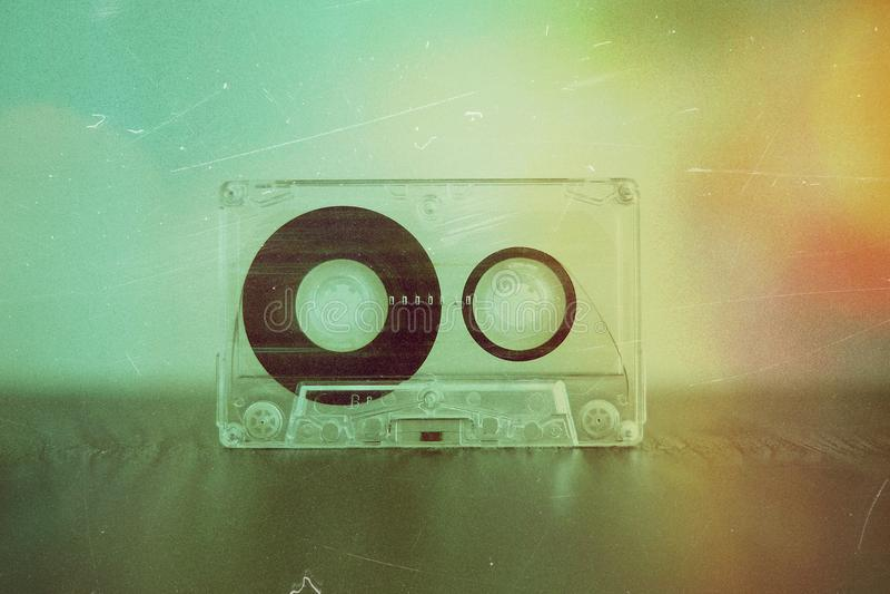 Audiokassette auf Hintergrund lizenzfreie stockbilder