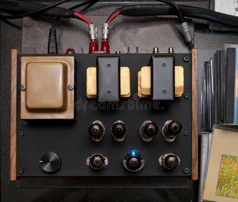 audiophile rörvakuum för förstärkare royaltyfria foton