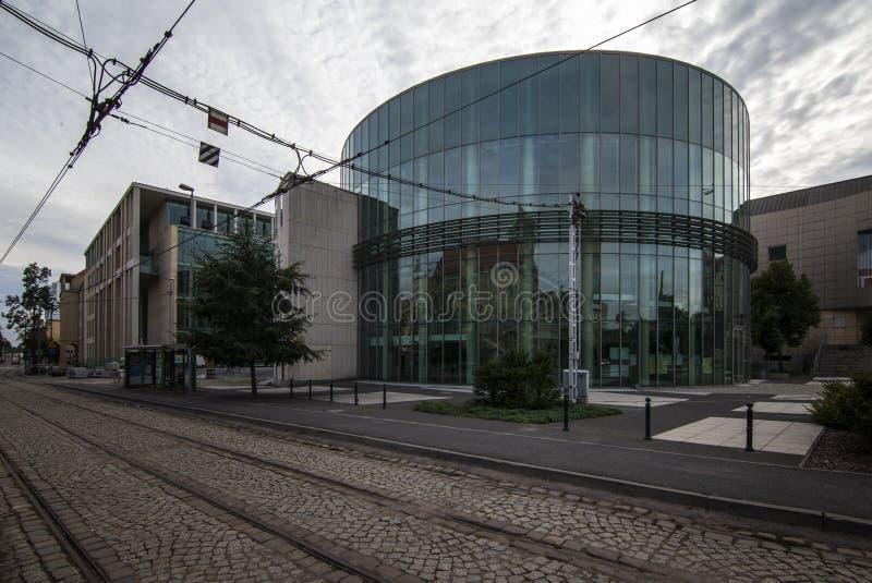 Auditorio de cristal del edificio de la academia de música en Poznán imagen de archivo libre de regalías