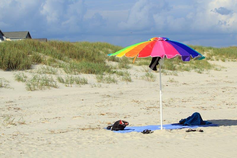 Auf dem Strandfeiertagskonzept lizenzfreies stockbild