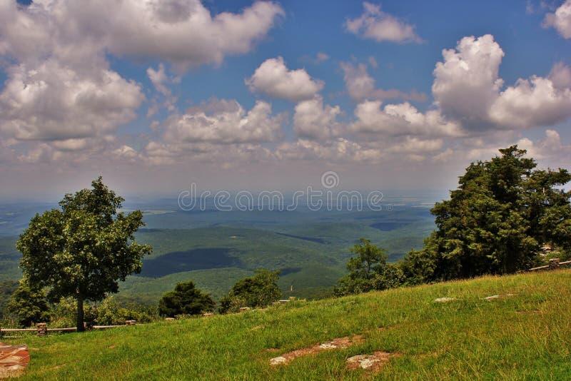 Auf dem Weg zu Cameron Bluff Overlook an der Berg-Zeitschrift stockbilder