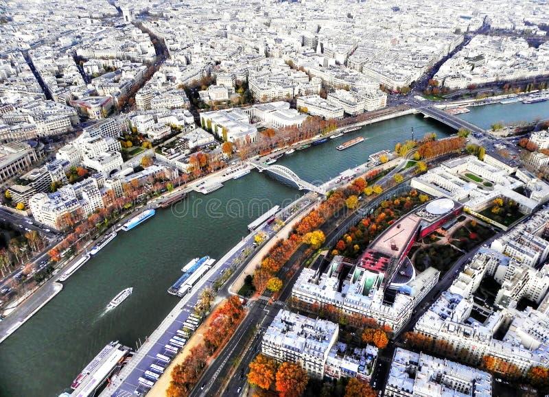 Auf den Eiffiel-Turm lizenzfreies stockfoto