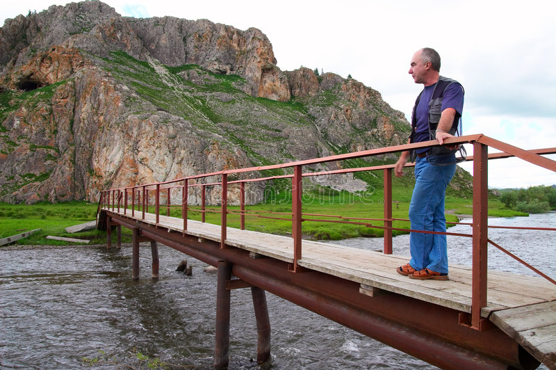 Auf der Brücke. stockbilder