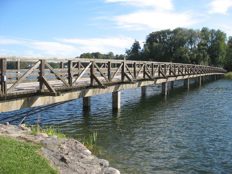 Download Auf der Brücke stockbild. Bild von speicher, wasser, strand - 47100923