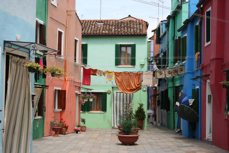Auf der Linie sich waschen, Burano, Italien stockbild