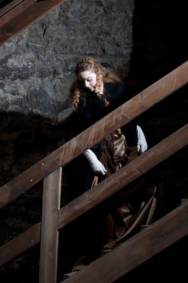 Auf der Treppe lizenzfreie stockfotografie