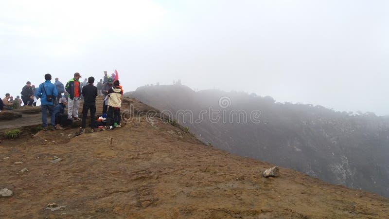 Auf die Oberseite des Berges lizenzfreie stockbilder