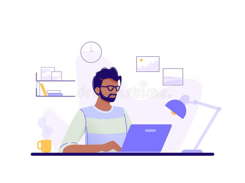 Auf gr?nem Hintergrund Mann arbeitet an seinem Laptop im Büroinnenraum Blau, gr?n, Gelb Flache Vektorillustration lizenzfreie abbildung